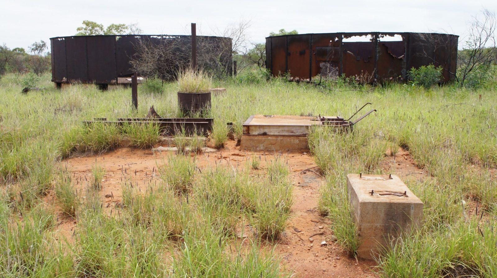 Ghan's Bore, at railway crossing