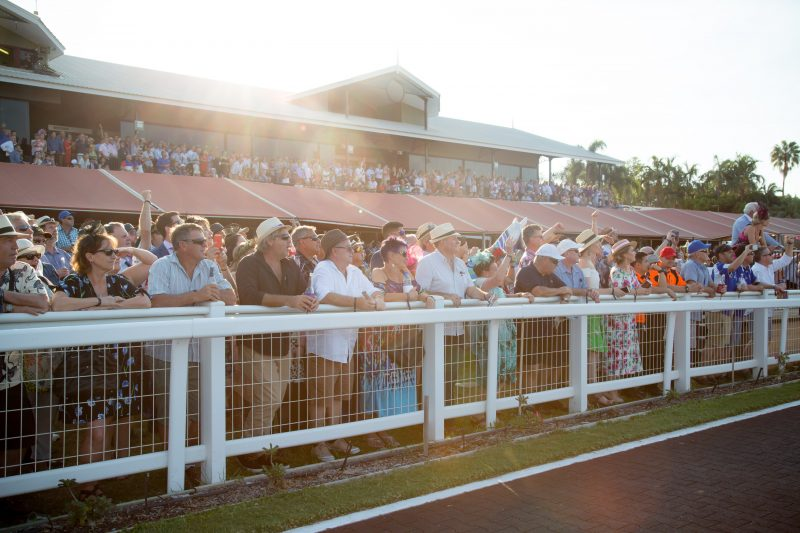 Great Northern Darwin Cup crowd