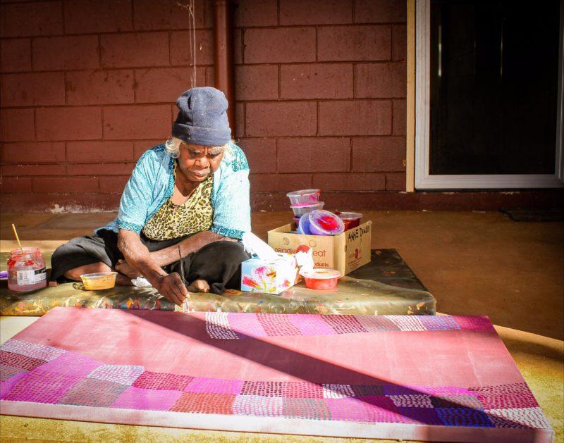 Artist Eunice Napanangka Jack painting