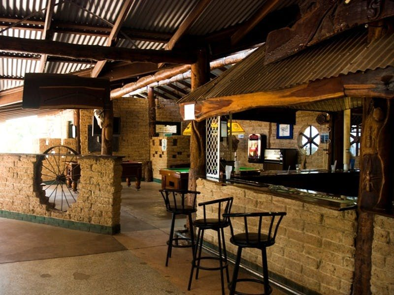 Lazy Lizard Tavern - dining area, Katherine Area Northern Territory