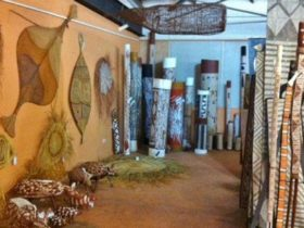 Maningrida Arts and Culture - Darwin Area - Northern Territory