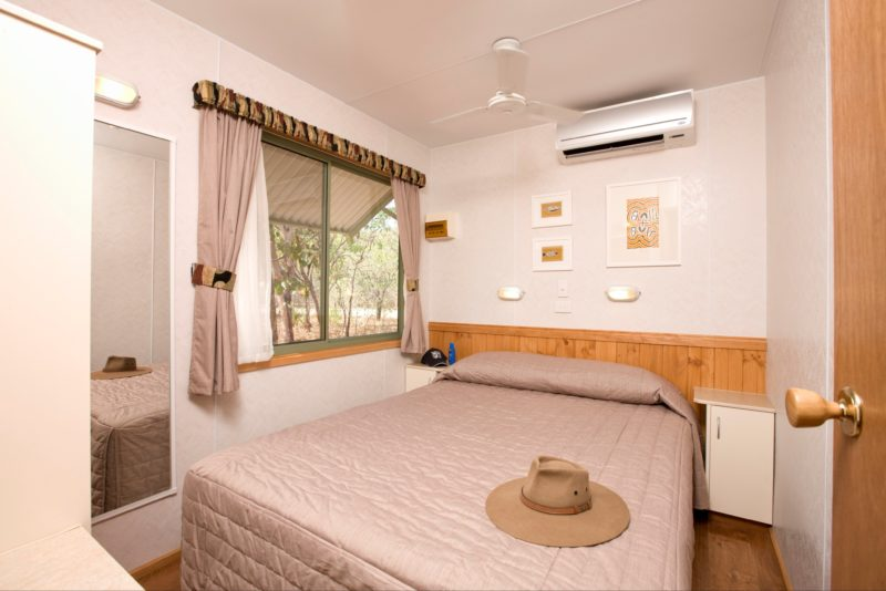 Nitmiluk Chalets bedroom