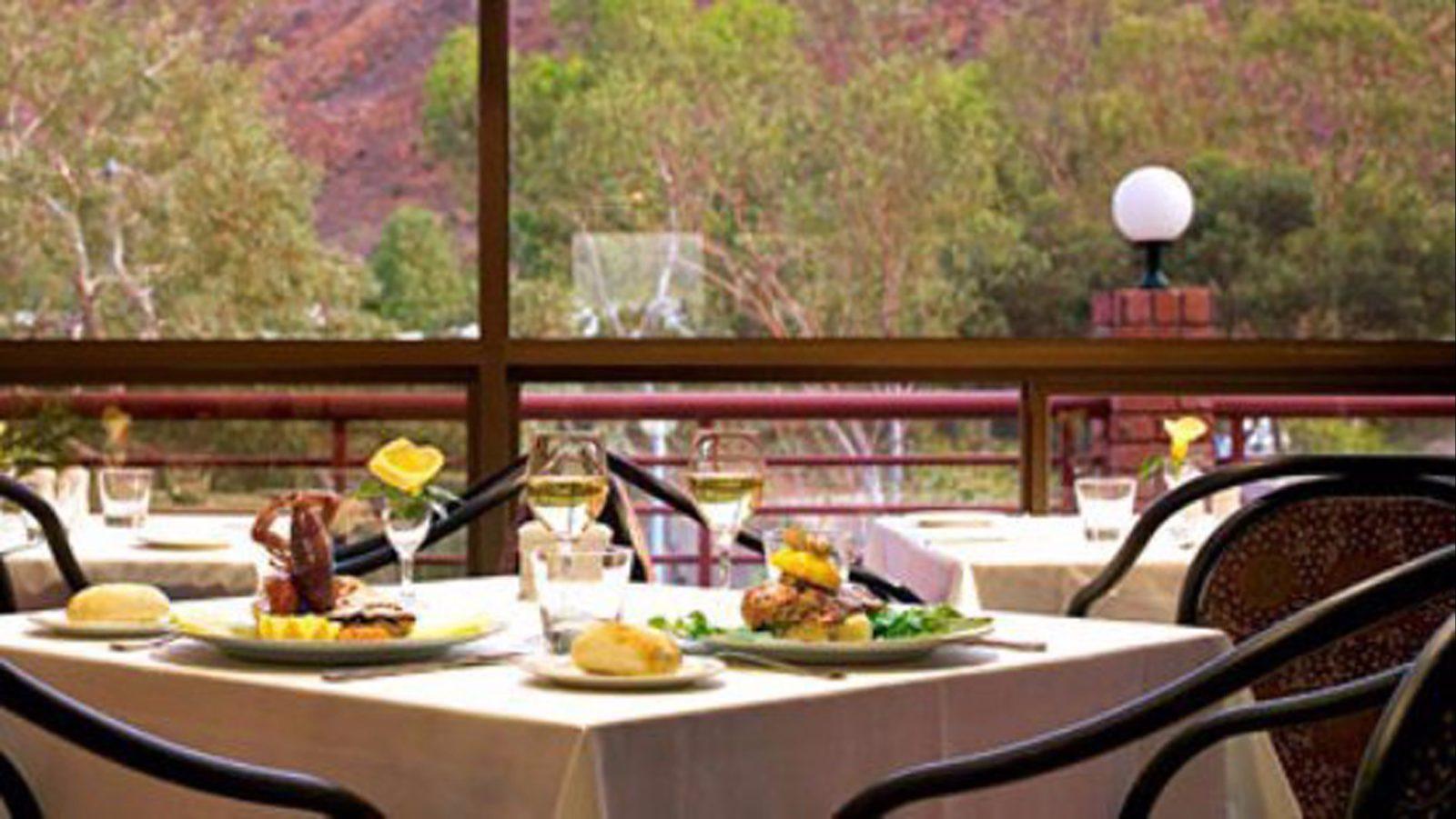 Sunaraas Gourmet Bistro and Bar