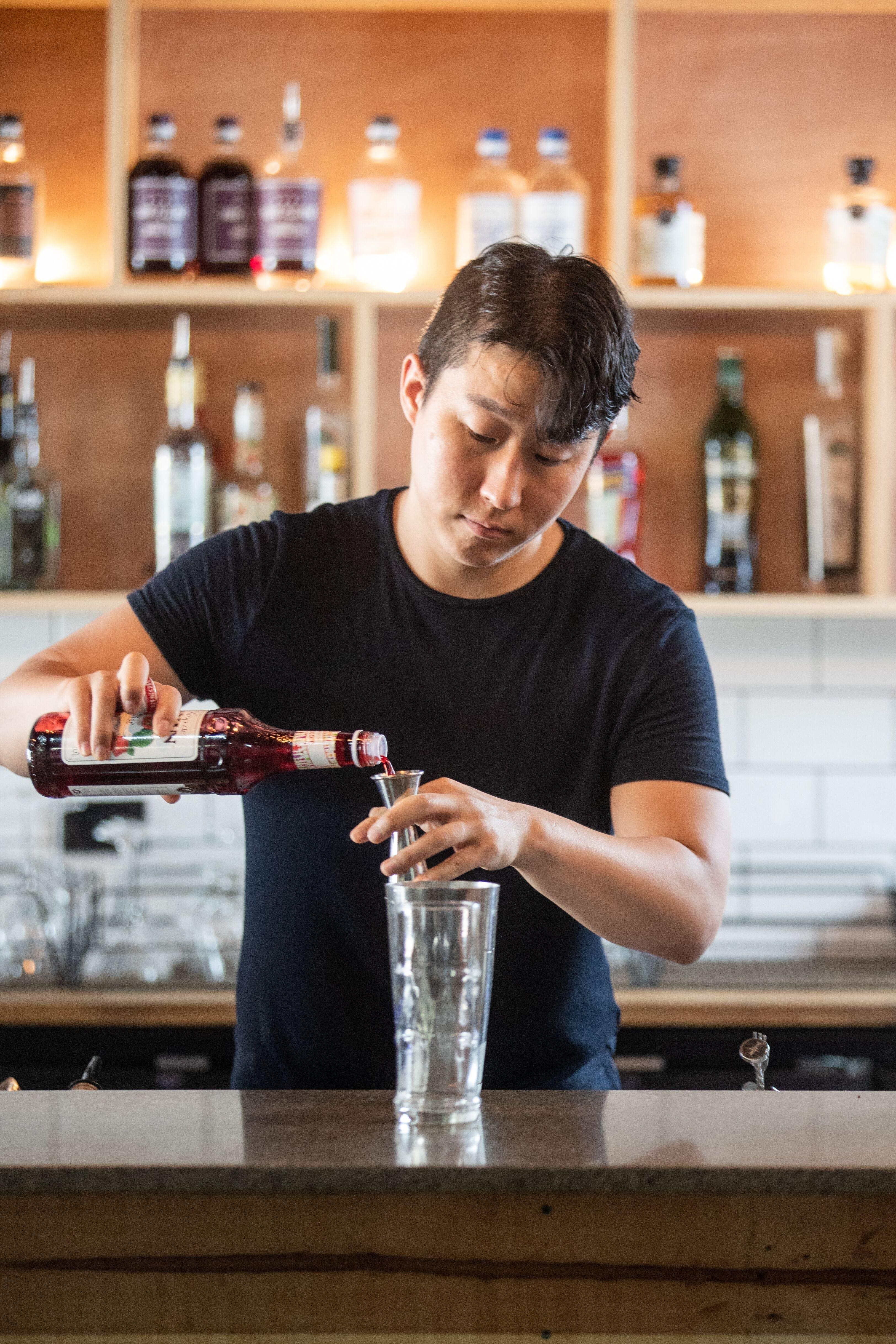 Bartender Jun