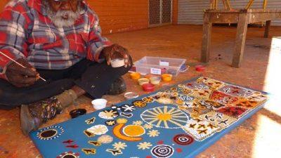 Warlukurlangu Artists Aboriginal Corporation - Alice Springs Area - Northern Territory