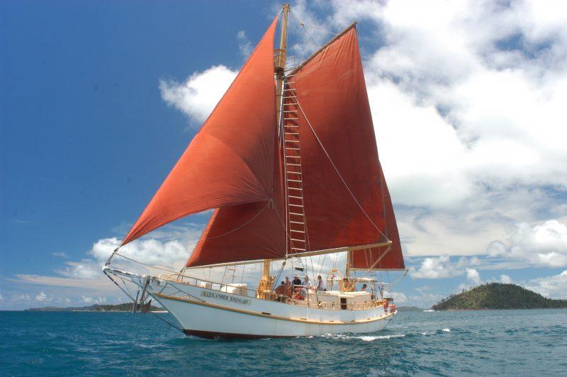 Whitsundays Sailing Adventures - Sailing Whitsundays