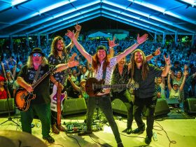 8 Ball Aitken, his band and the festival's enthusiastic festival a