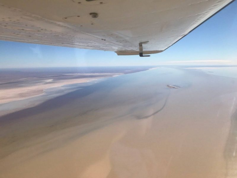 The Beautiful Kati Thanda - Lake Eyre filling up from this years rain from the north