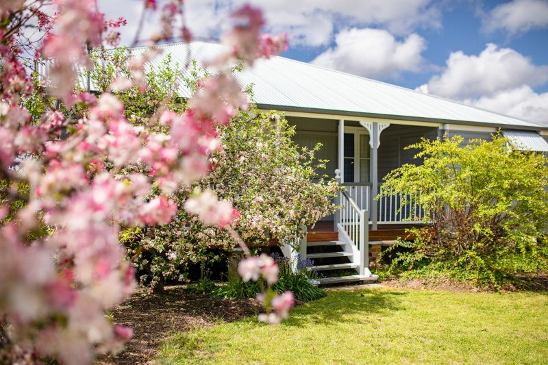Apple Blossom Cottage - Front