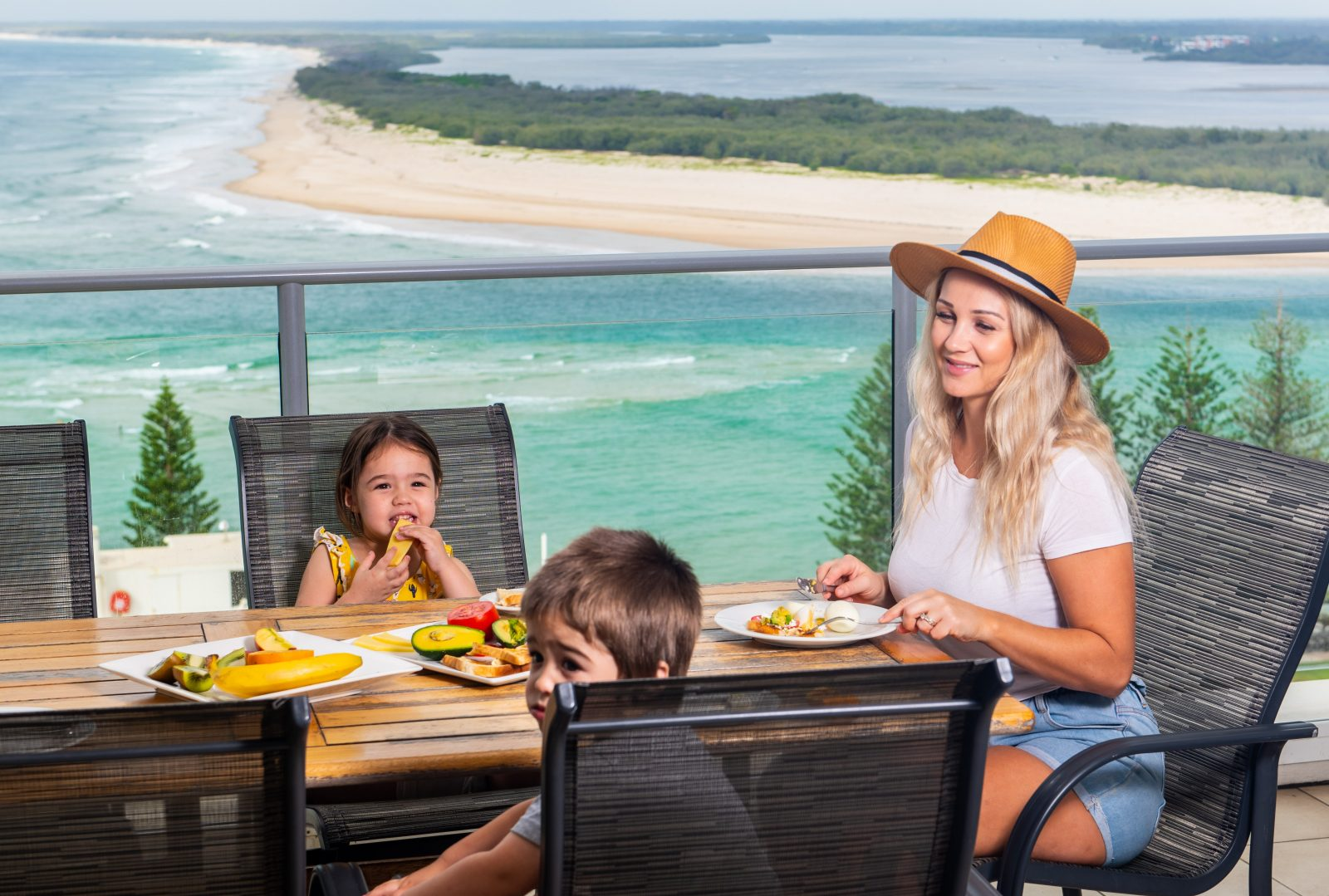 Aspect welcomes you to the best views in Caloundra. Luxuriy with great resort facilities