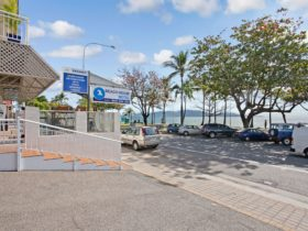 A clean comfortable motel right in the heart of the Townsville Strand.