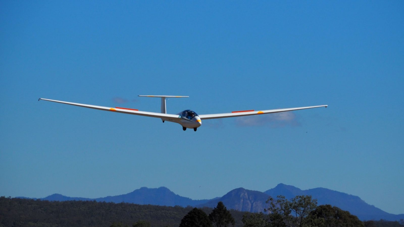 BoonaBoonag Gliding Club offers amazing Air Experience Flights over the Beautiful Scenic Rh Gliding