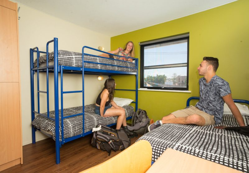 Multi-share room