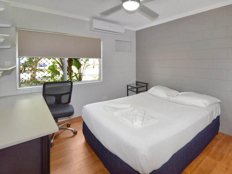 Cairns Adventure Lodge - Bedroom