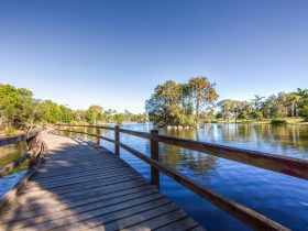 Centenary_Lakes_Sunny_Bridge_Visit_Moreton_Bay_Region