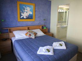 Main Bedroom-Queen Bed