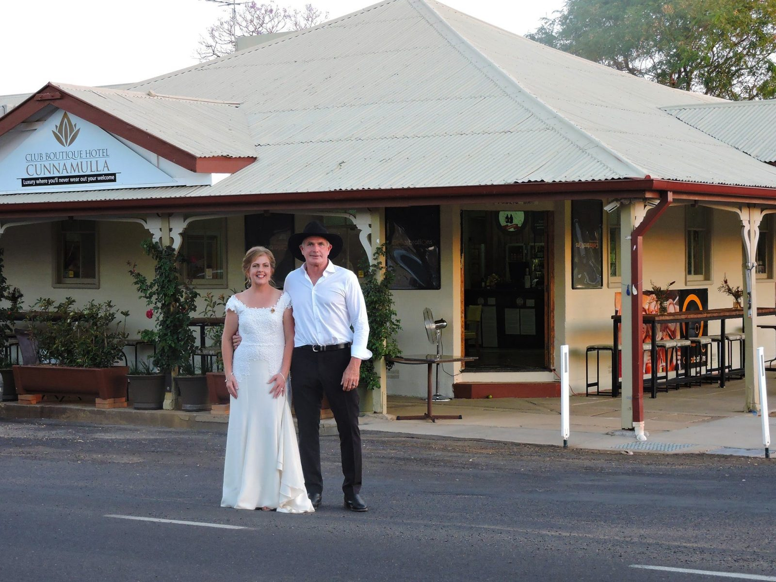 Club Boutique Hotel Cunnamulla accommodation entertainment restaurant bar events and functions more