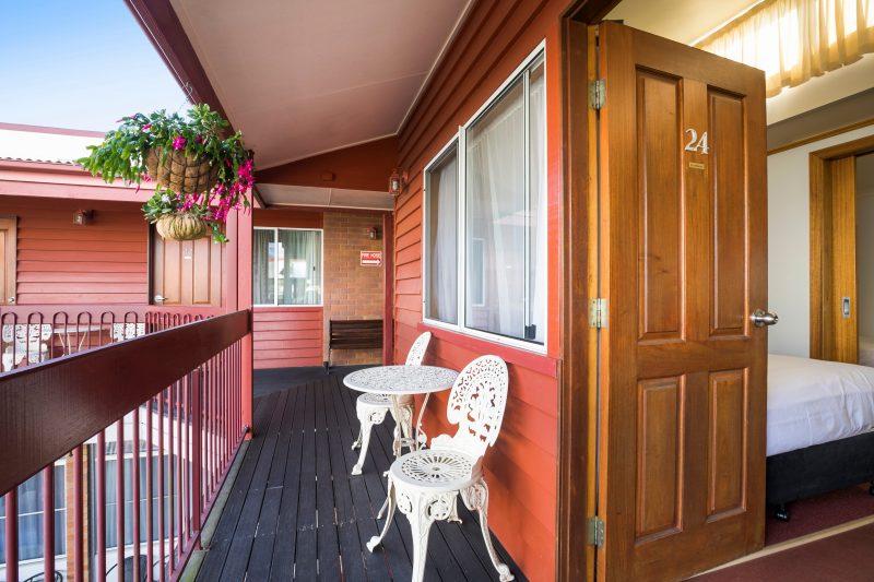 Downs Motel balcony