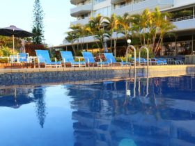 Equinox Resort Surfers Paradise - Pool