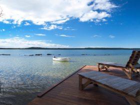 Luxury Lakehouse Lakeside Timber Deck