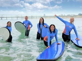 """Take part in a group """"Learn to Surf"""" lesson!"""