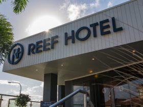 Gladstone Reef Hotel Entrance