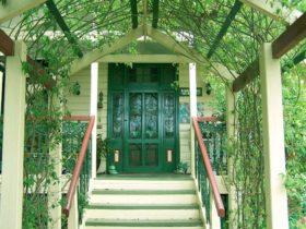 Grafton Rose Bed & Breakfast, Warwick - Entrance