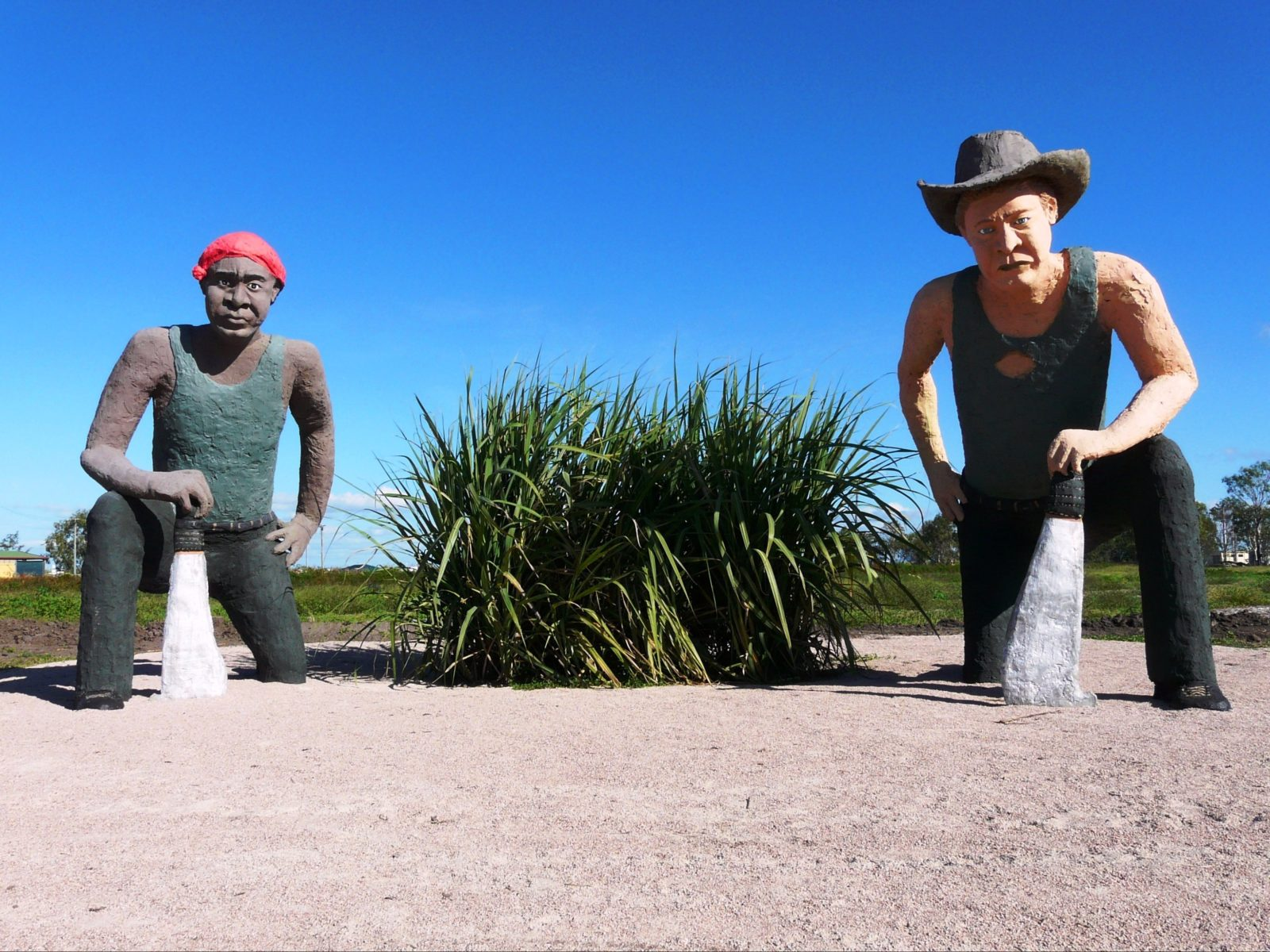 Completed in May 2016, the Hand Cane Cutter statues at the Home Hill Showgrounds are a must see on your visit to the Burdekin region. One hour south of Townsville, bring your camera!