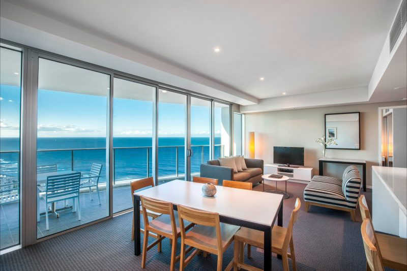 Hilton Surfers Paradise - 2 Bedroom Ocean View / Sky Residence