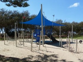 Image of childrens play equipment at Hollindale Park