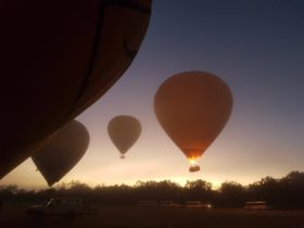 http://www.hotairballoonaustralia.net.au/