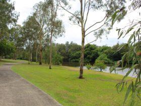 Hugh Muntz Park