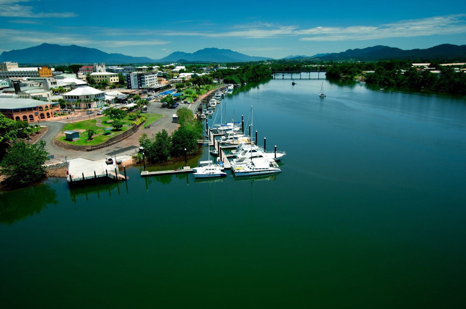 Fitzgerald Esplanade Johnstone River Innisfail Tropical North Qeensland Cairns