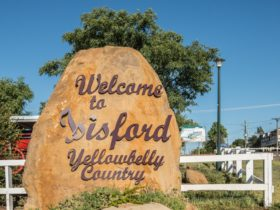 Isisford Entry sign