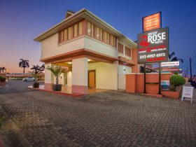 mackay Rose Motel Frontage