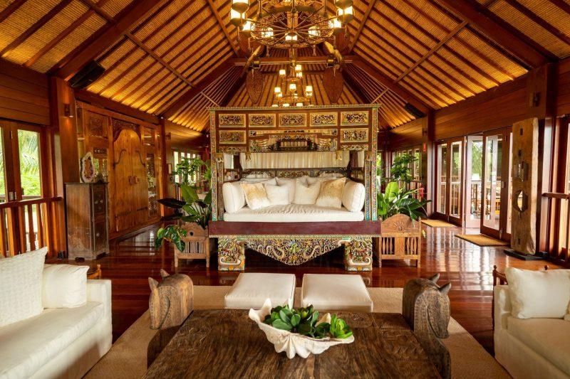 Makepeace Island main lounge