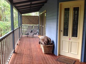 Honeyeater Cottage Entrance - Maleny Country Cottages