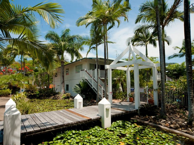 Mango House Resort is built in an attractive Queenslander style with lily ponds and tropical gardens