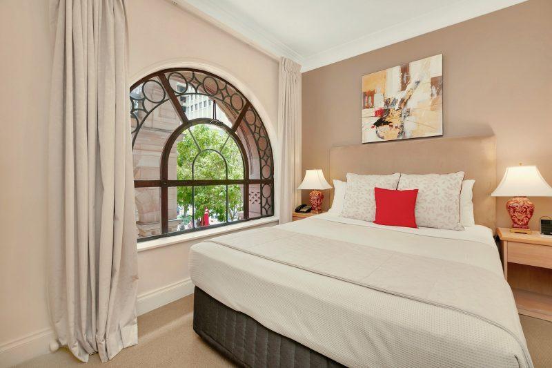 Manor Apartment Hotel