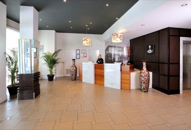 metro-hotel-ipswich-international-lobby