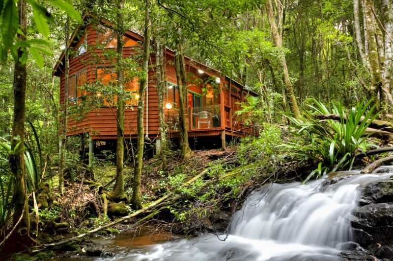 Luxury Rainforest Spa and Stream Chalet Wicked Witch with outside hot tub