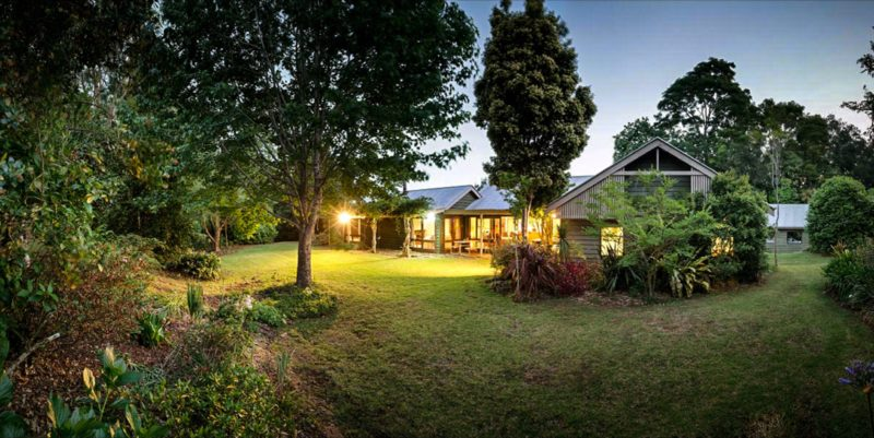 Mt Glorious Getaway Cottages and Conference Centre