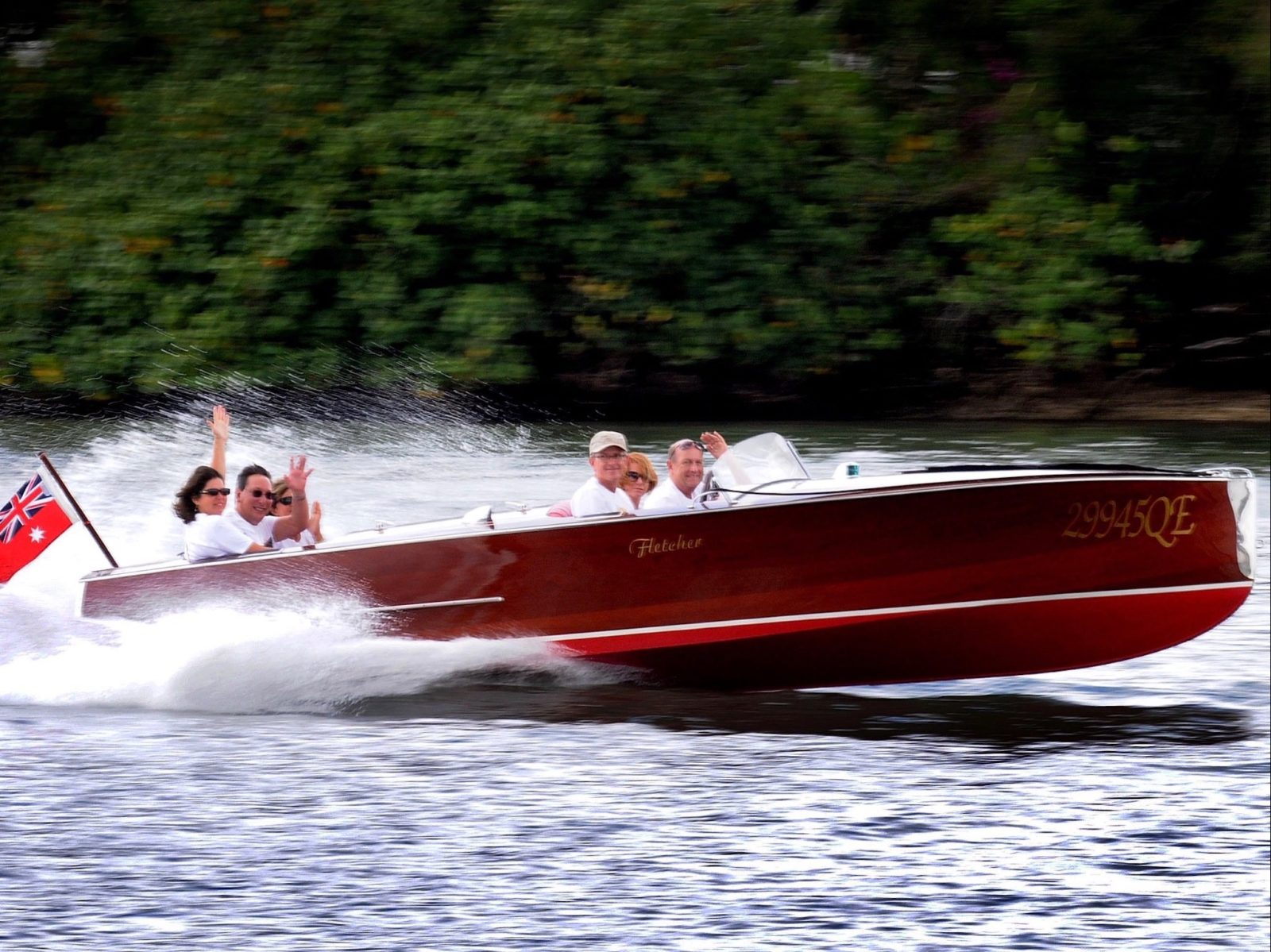 Noosa river classic speed boat cruises