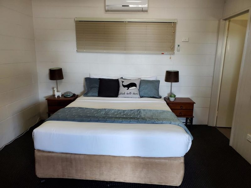 Extra Large Double Bed, Air conditioning