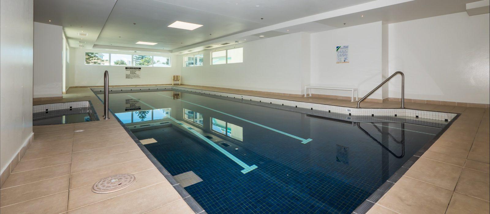 Indoor pool 14 metres in length