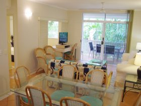 Two Bedroom Apartment Living Space Palm Cove Tropic Apartments