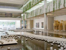 Installation view of Yayoi Kusama's Narcissus garden 1966/2002, QAG Watermall 2017