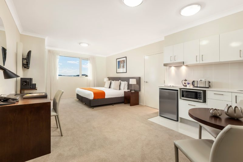 Studio Apartment (self contained with King Bed, & Kitchenette)