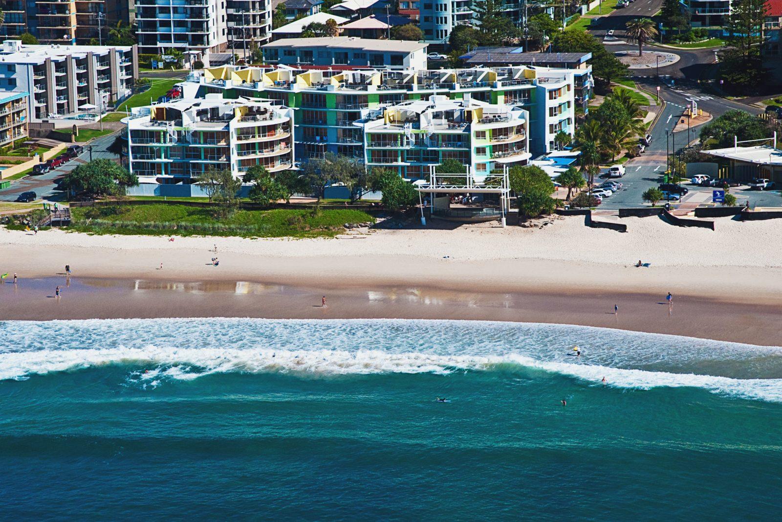 Rolling Surf Resort - Absolute beachfront