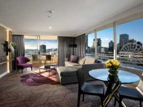 King Suite Rydges South Bank